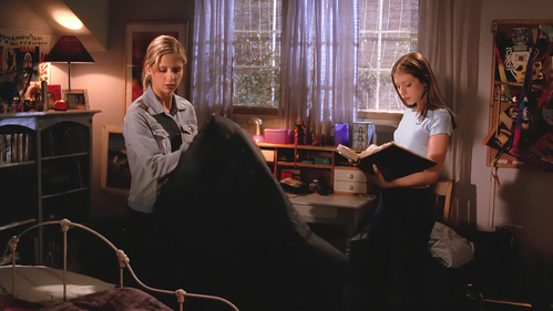 "How does Buffy respond to Dawn saying: ""Do u know that Ancient Sumerians do not speak English?"" ?"