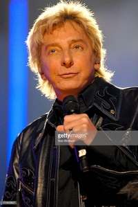 Barry Manilow was a featured performer in a musical tribute to Michael Jackson at the 1984 American música Awards