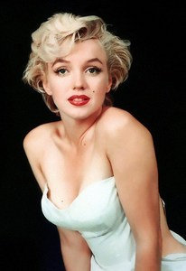 Marilyn Monroe was the subject of Elton John's 1974 hit song, Candle In The Wind