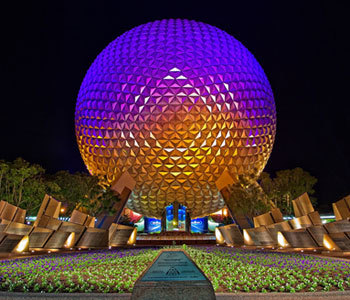 What năm did the Epcot Center open at Disneyworld