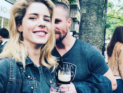 What did Stephen do during filming of Emily's final 'Arrow' episode?