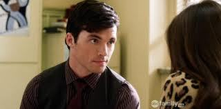 How did Aria admit to Ezra that she realized she was still in amor with him?