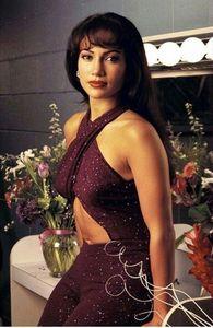 Who bought Selena a ring?