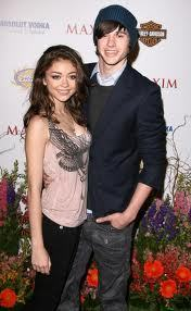 Who's Sarah Hyland partner since 2009 till now ?