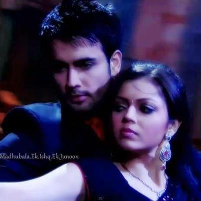 what do u think about this pic of rk and his biwi madhu?????