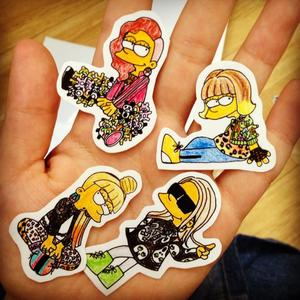 WHO TWEET THIS 2NE1 SIMPSONS PHOTO?