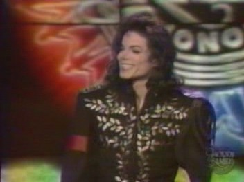 "This photograph was taken at ""The Jackson Family Honors"" awards ipakita back in 1994"