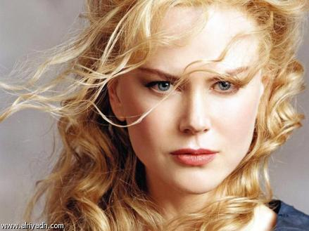 Cruise met his second wife, actress Nicole Kidman, on the set of their film Days of Thunder in 1989.When did the couple married ?