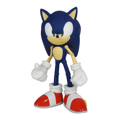 who deos sonic love