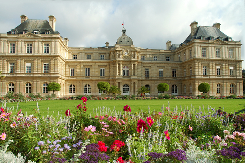 Where are the Luxembourg Gardens ?