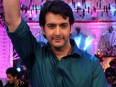 who is prashant in punar vivah in recent times?
