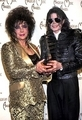 This चित्र of Michael and good friend, Dame Elizabeth Taylor, was taken at the 1993 American संगीत Awards