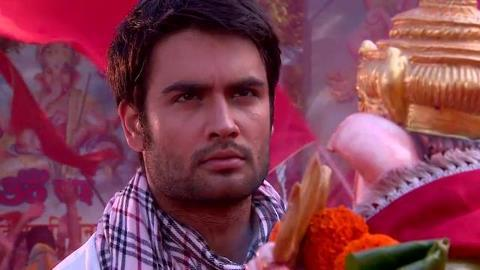 Who Shot to RK in  Ganpati festival ?