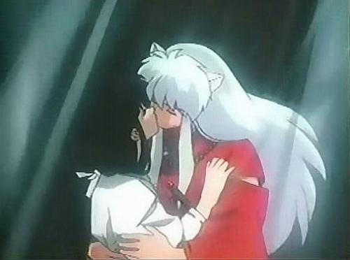 What episodes do InuYasha and Kikyou kiss for the first time in the series?