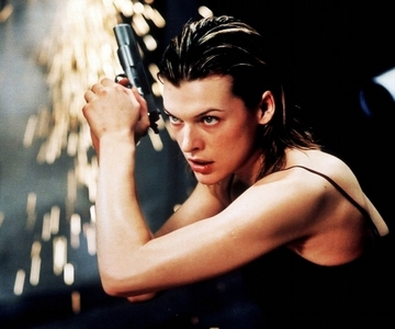 "In ""Resident Evil"", Milla's character suffers from ?"