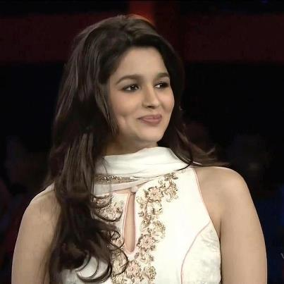 Alia Bhatt confesses she has a huge crush on actor