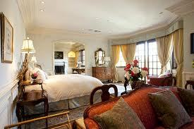 This is the master bedroom from Michael's final place of residence at 1100 North Carolwood Drive in Los Angeles, California