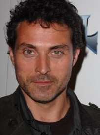 How many movies did Kate play with Rufus Sewell?