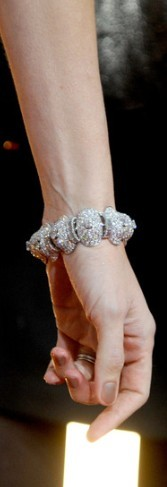 Where did she wear this bracelet?
