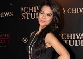 in this movie,Sana Saeed plays the role of a lover of varun dhawan. name the film she acted in as a child artist.