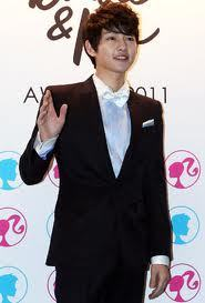 When did Song Joong Ki made his uigizaji debut?