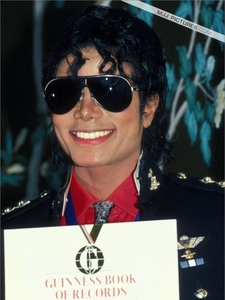 This was taken back in 1986 at ギネス Book Of World Records celebration, which was held in his honor