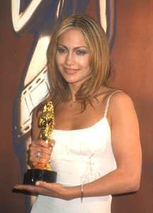 For which movie did Jennifer Lopez win ALMA award for best actress?