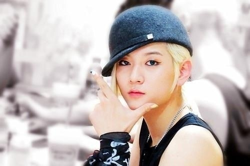 What does ren want to do with his wife/girlfriend?