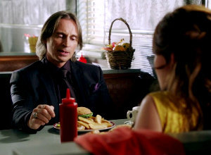 "In 2x08 ""Into the Deep"" who interrupts Belle and Mr. Gold while they're having  burgers at Granny's Diner?"
