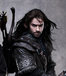 Who plays the role of Kili in The Hobbit: An Unexpected Journey?