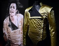 Michael's stage costume from the Dangerous tour was inspired por the sport, Fencing