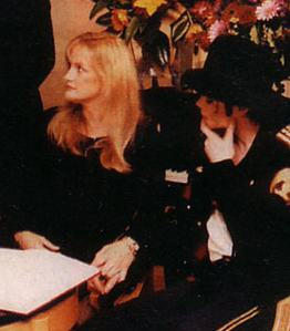 What country did Michael and Debbie Rowe exchanged vows