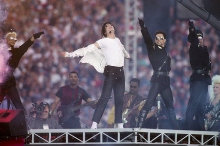 This foto was taken during Michael's halftime Superbowl performance back in 1993