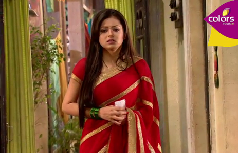 RK bought her Saree from.......?