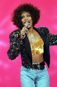 What 1992 film did Whitney make her jouer la comédie debut