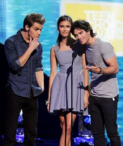 Both Ian & Nina were nominated for Choice Male/Female Hottie at the 2011 Teen Choice Awards: