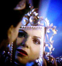 In 1x11 Fruit of the Poisonous Tree, who gave Regina the mirror?   