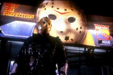 (Easiest soalan Ever) > What is the surname of Hockey-Mask-Wearing Killer, Jason?