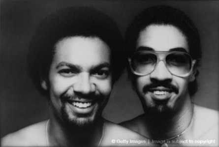 """Who is this """"'70's"""" R&B Vocal Duo"""