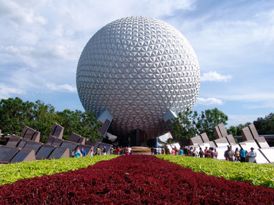 What was the opening তারিখ of Epcot in ডিজনি World?