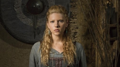 Who portrays the part of Lagertha?