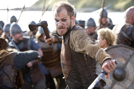 Who portrays the part of  Floki?