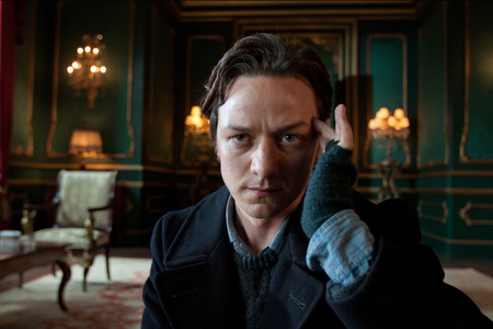 Who did James McAvoy kiss at the end of X-Men: First Class?