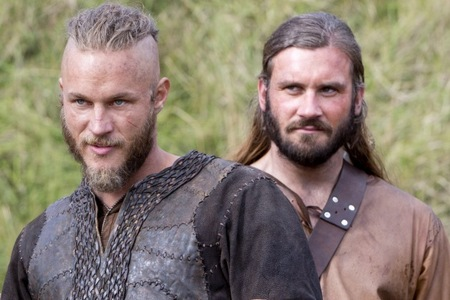 """There's no need for Ты to swear...( Ragnar to Rollo) Ты have already....? (Episode 6 Burial of the Dead)"