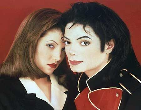 What año were Michael and Lisa Marie divorced