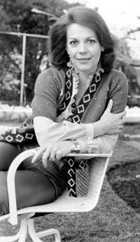What year did legendary actress, Natalie Wood, pass on as a result of drowning at age 43
