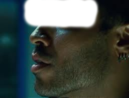 What colour was Cinna's eyeliner?