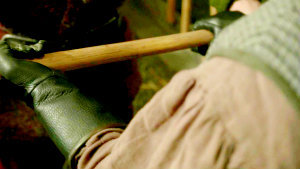 "1x14 ""Dreamy"", who was the first dwarf that we saw hold an axe and have his name appear on it?"