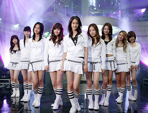 Which member of SNSD has the Zodiac Sign Aries?