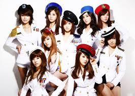 Which member of SNSD has the Zodiac Sign Gemini?